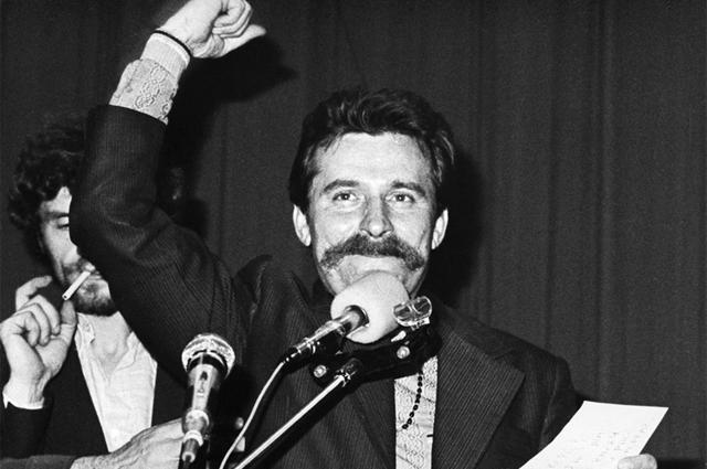 Председатель забастовочного комитета Лех Валенса в Гданьской судоверфи в августе 1980 года.
