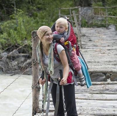 Дети Селезнёвых тайны Кавказских гор постигают с младенчества.