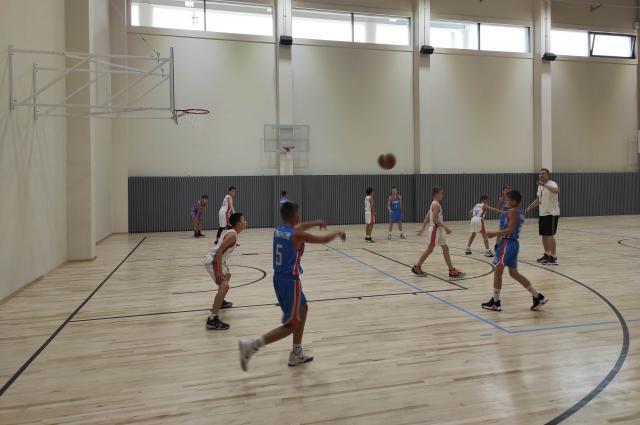 В Ледовом дворце предусмотрена площадка и для баскетбола.