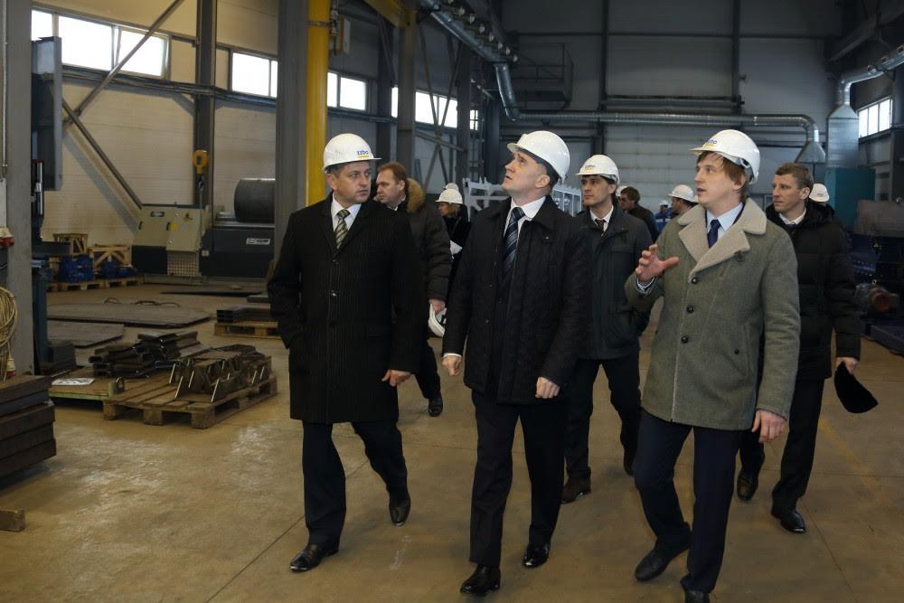 Борис Дубровский остался доволен организацией производства и всем, что он увидел на Златоустовском заводе бетоносмесительного оборудования.