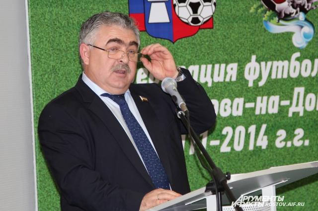 Владимир Сакеллариус обещает помочь тренеру, попавшему в трудную жизненную ситуацию.