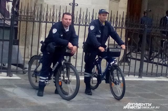 Французские полицейские выбирают экологически чистый вид транспорта.