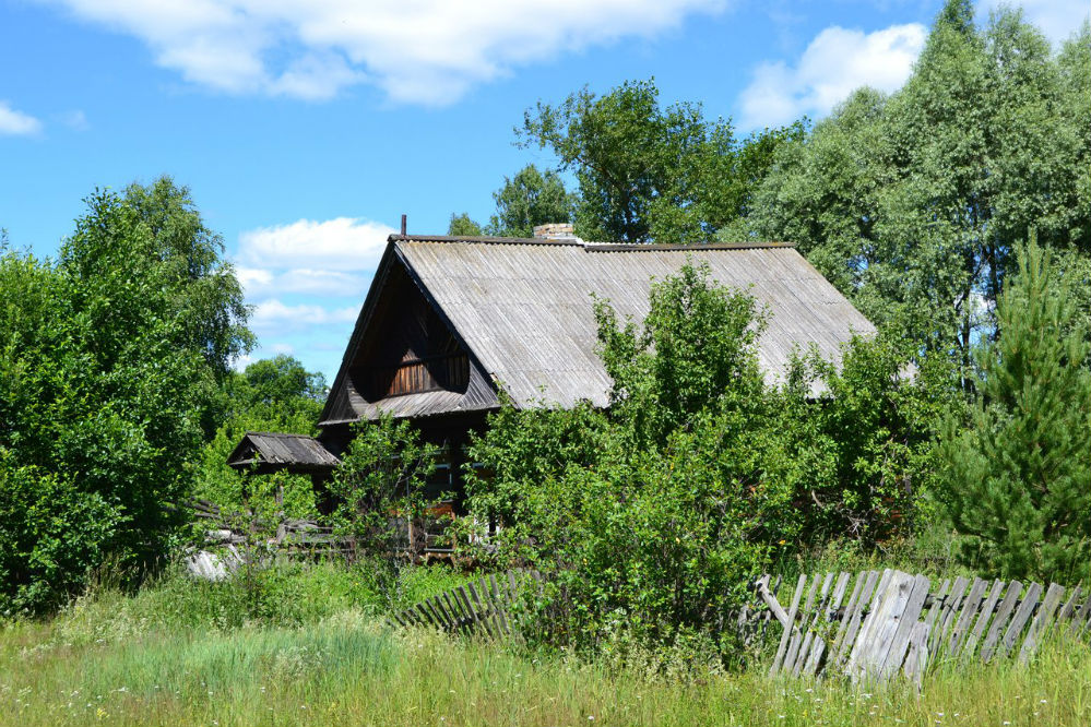 Опустевший дом в Шумах.