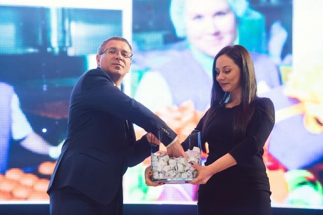 Празднование 90-летнего юбилея хлебокомбината «СМАК» состоялось 15 мая  в екатеринбургском ККТ «Космос