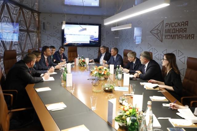В дни работы выставки в деловом офисе на втором этаже павильона РМК прошли десятки переговоров, установлены сотни новых деловых контактов.
