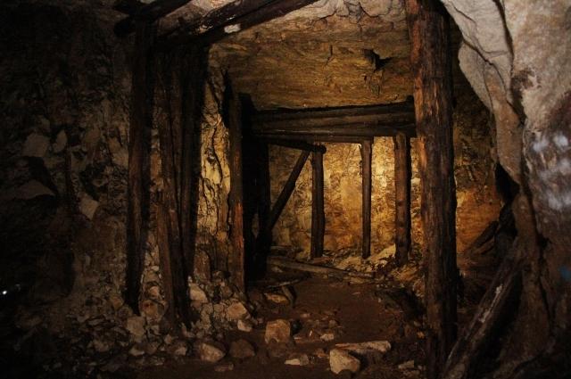 Дым плохо выветривается из подземелья, поэтому запах гари остаётся надолго. Он едкий и специфический, потому что все внутренние опоры пропитаны креозотом.