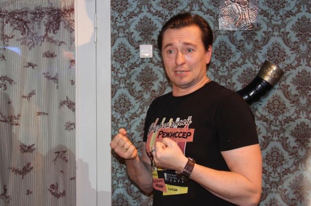 Сергей Безруков лично провел экскурсию по декорациям.