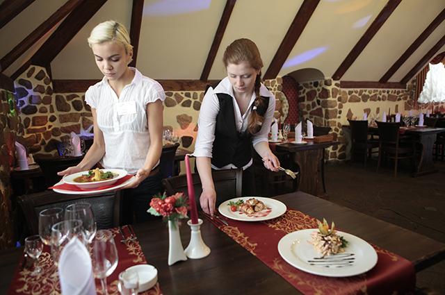 Многие псковские кафе и рестораны даже после снятия ограничений стоят без гостей