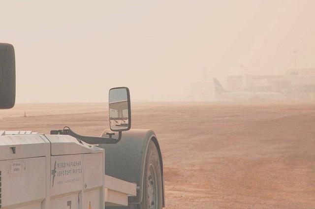 Из-за дым в аэропорту Якутска 18 июля задержали все рейсы.
