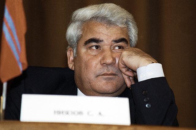 Президент Туркменистана Сапармурат Ниязов на встрече глав 11 независимых государств, бывших республик СССР, которые собрались для подписания Протокола о создании Содружества Независимых Государств.