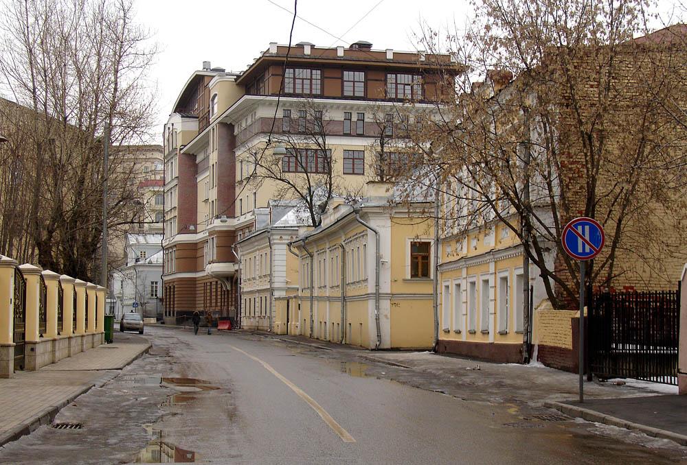 1-й Кадашёвский переулок в Москве