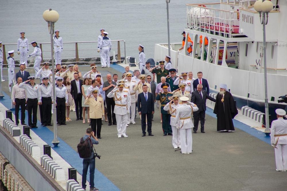 Официальное поздравление моряков и гостей дня ВМФ.