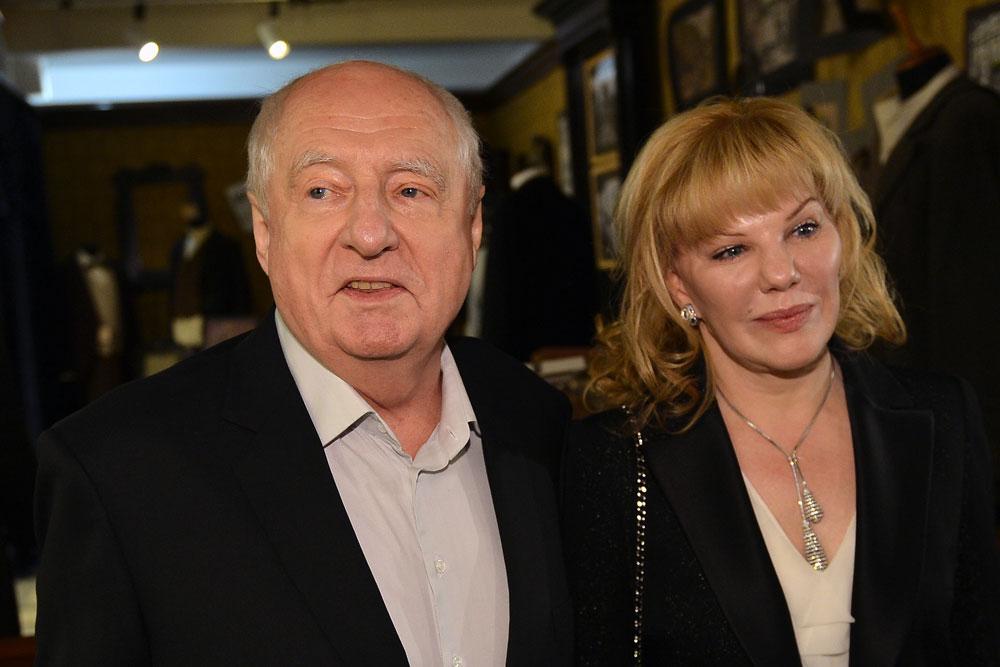 Режиссер Марк Захаров с дочерью, актрисой Александрой Захаровой.