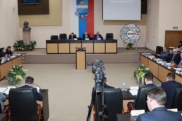 Проблемы уборки Калуги стали главной темой на заседании городской думы.