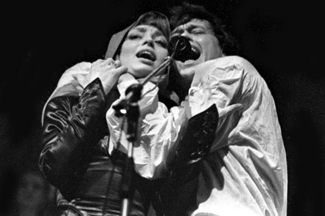 Николай Караченцов и Елена Шанина в спектакле Юнона и Авось . 1985 г
