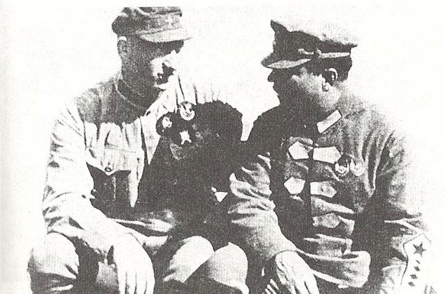 Михаил Ефремов и Климент Ворошилов. 1924 г.