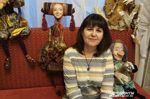 Директор музея театрального искусства Юлия Заводова.