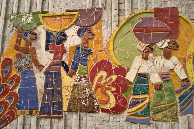 Мозаика на здании в Мавритании.