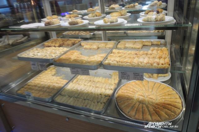 Турецкие сладости знакомы всем, кто отдыхал в солнечной Анталии.