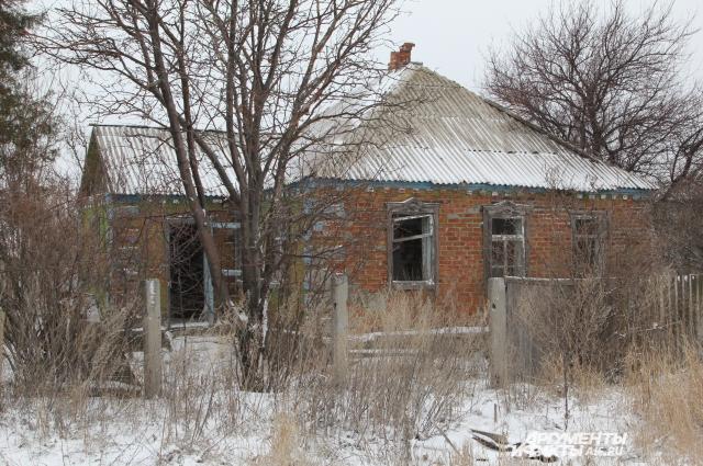 Брошенная усадьба в шахтерском селе Ростовской области.
