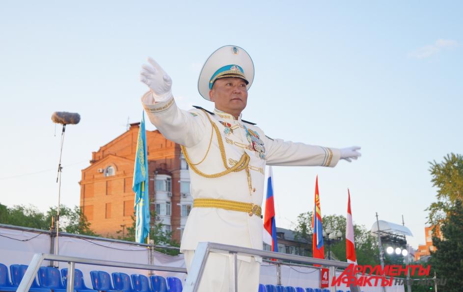 Талгат Бердигулов - начальник Президентского оркестра Казахстана.