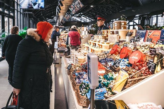 Тульская фруктовая пастила, рязанская зелень исмоленская молочка— 17регионов представляют свою продукцию вКузьминках.