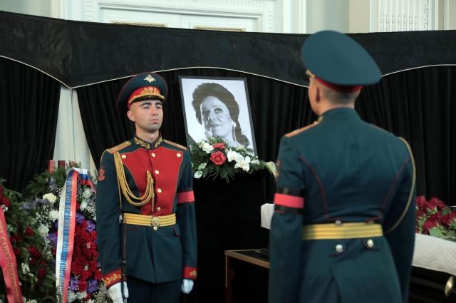 23 сентября в Белом зале Мариинского театра состоялась гражданская панихида по Ирине Петровне Богачевой.