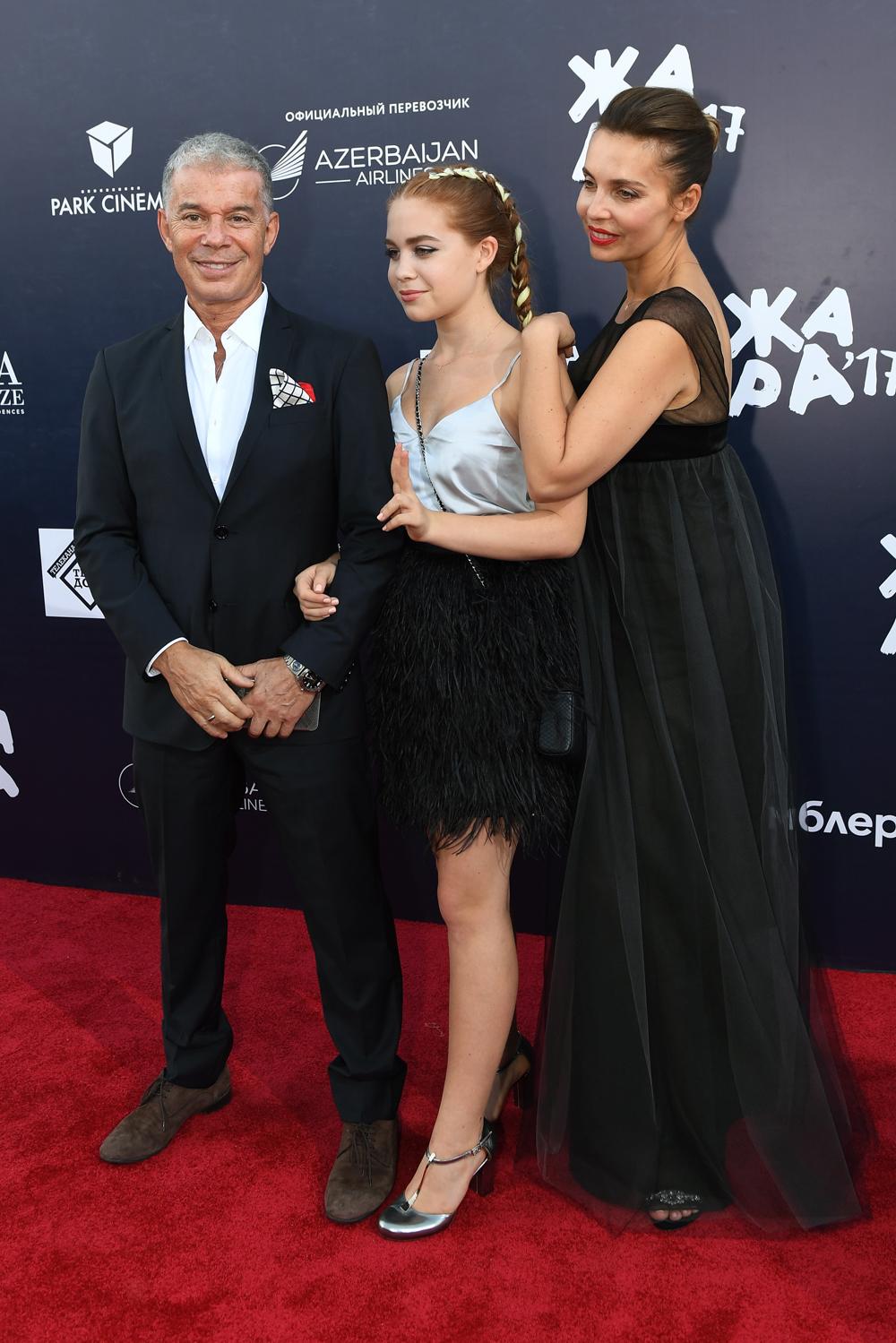 Олег Газманов со своей женой Мариной и дочерью Марианной. 2017 год.