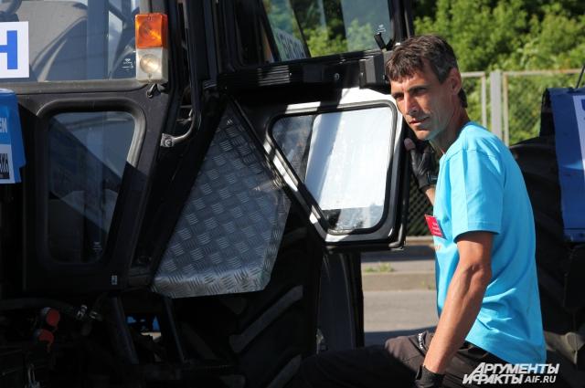 Трактор для Александра Маляра это друг и кормилец