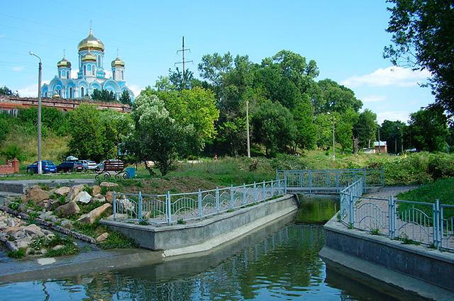 Задонск, река Тешевка у монастыря
