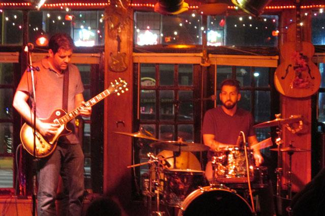 Блюз-концерт в одном из баров Сент-Луиса.