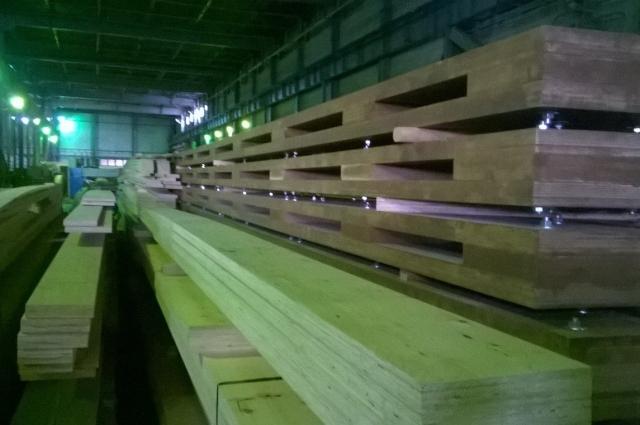 Брус «ЛВЛ-Югра» используют в каркасном домостроении, при перекрытии больших пролётных конструкций.