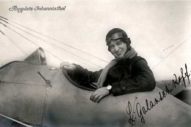 Имя Голанчиковой узнал весь мир после полета, который она совершила 22 ноября 1912 года.