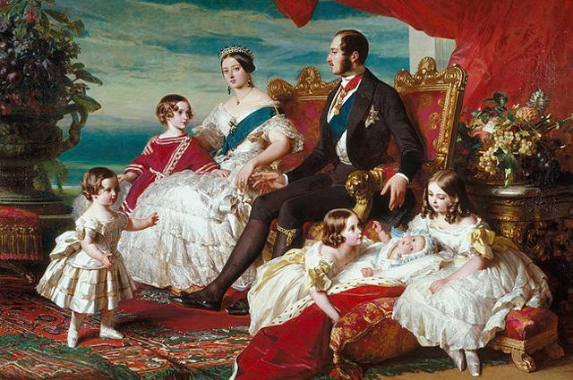Семья Виктории в 1846 году кисти Франца Ксавера Винтерхальтера. Слева направо: принц Альфред и принц Уэльский; королева и принц Альберт; принцессы Алиса, Елена и Виктория.