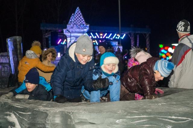 Все праздники в городе будут работать лыжные базы, катки, бассейны и кинотеатры.