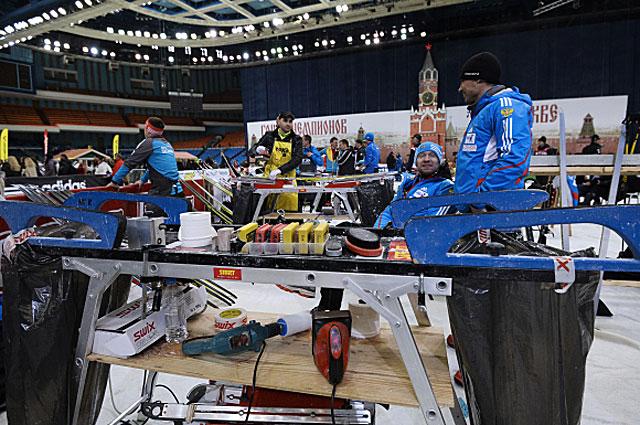 Российская биатлонная сервис-бригада считалась одной из учших в мире, а Олимпиада в Сочи доказала, что она лучшая. Только наши специалисты согласились предоставить оборудование главным конкурентам немцам