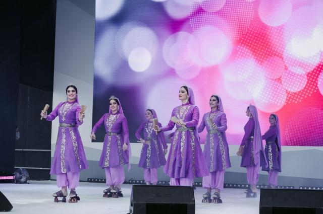 За время фестиваля на сцене выступили 195 артистов, победителей регионального отборочного этапа фестиваля.
