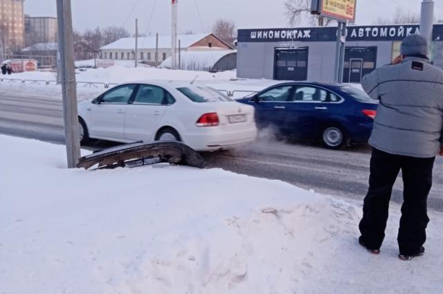 В ДТП никто не пострадал, водители сами добрались до ГИБДД.