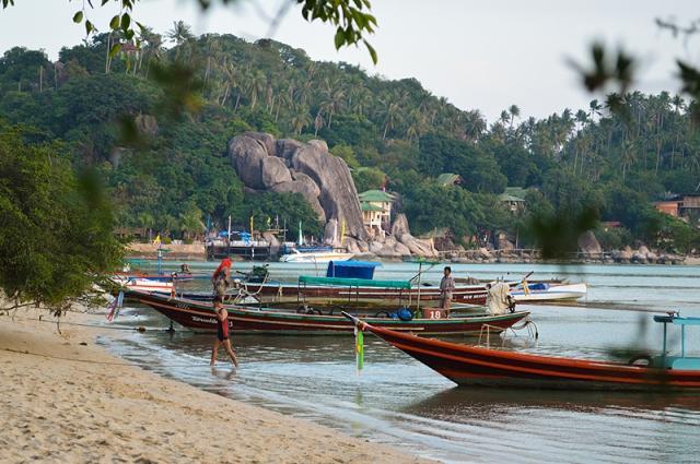 Новый год в Таиланде можно отметить три раза: 31 декабря — европейский Новый год, затем по восточному календарю (китайский Новый год) — 10 февраля, а 13 апреля — тайский.