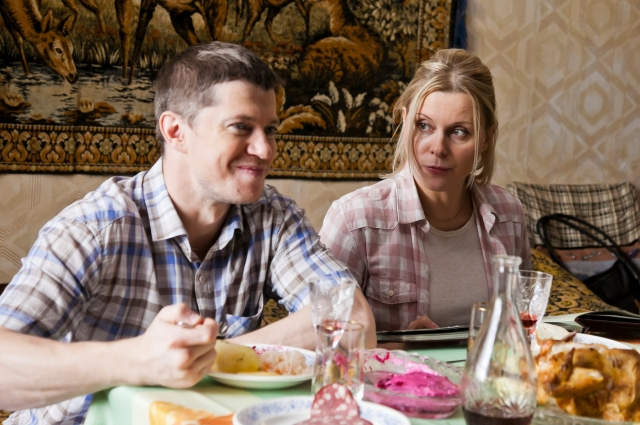 По словам актёров, персонажи сериала попадают в нелепые ситуации и выкручиваются из них.