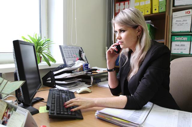 За пять месяцев на единый бесплатный телефон 8-800-222-15-15 поступило более двух тысяч звонков