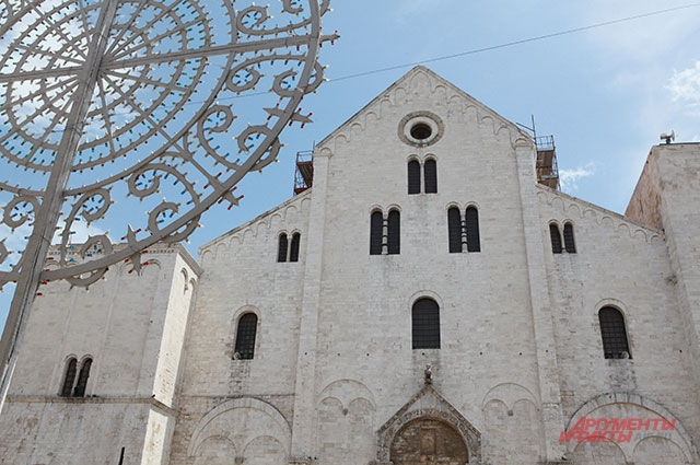 Базилика San Nicola в Бари.