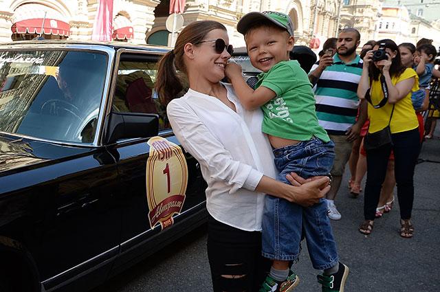 Актриса Катерина Шпица с сыном Германом.