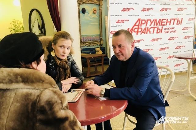 Владимир Челомин не исключил, что продолжит консультировать граждан.