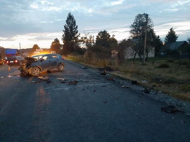 Двое детей погибли в результате лобового столкновения автомобилей в селе Княжолука в Долинском районе Ивано-Франковской области.