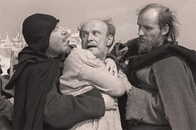 Ролан Быков в фильме Тарковского «Андрей Рублёв». 1966 год,