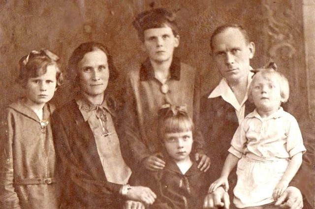 Семья Смолиных, 1933 год.
