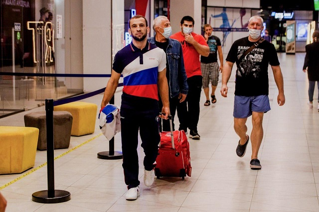 ПЦР-тест сдавали в аэропорту