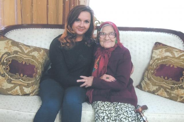 Благодаря Екатерине папиной баба Лена ста известна на весь мир.