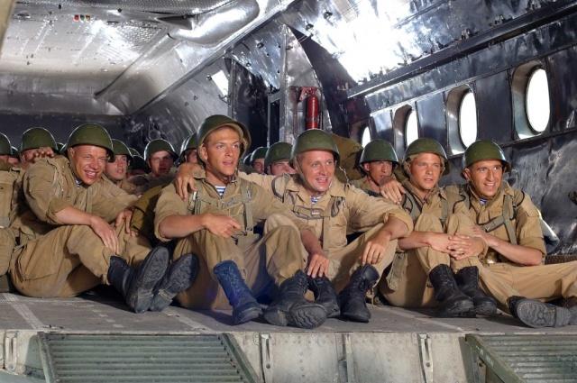 Звездная команда первого фильма Бондарчука в качестве режиссера.